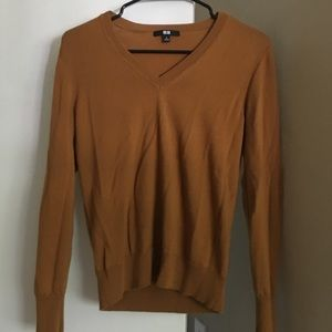 Uniqlo sweater long sleeve S mustard v neck